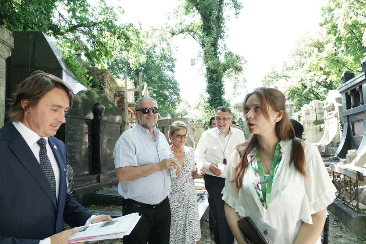 Látogatás a Salgótarjáni utcai zsidó temetőben<br> Fotó: Krasznai-Nehrebeczky Mária
